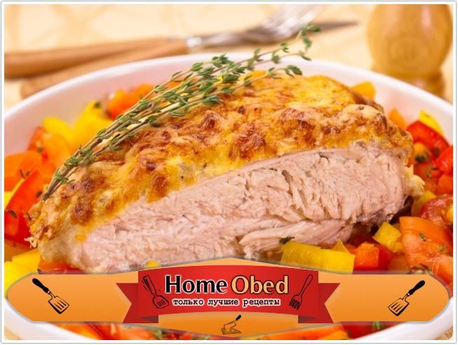 Куриная грудка под сметанно-чесночным соусом